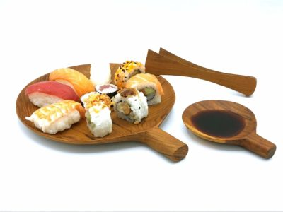 plato con mango de madera